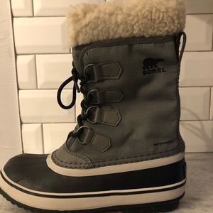 Sorel Winter Carnival Boots size 6.5